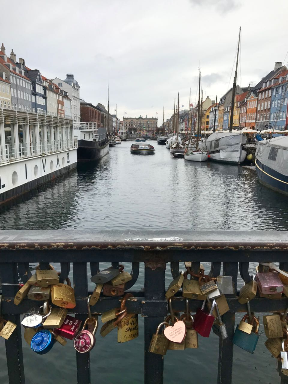 locks at Nyhavn.jpg