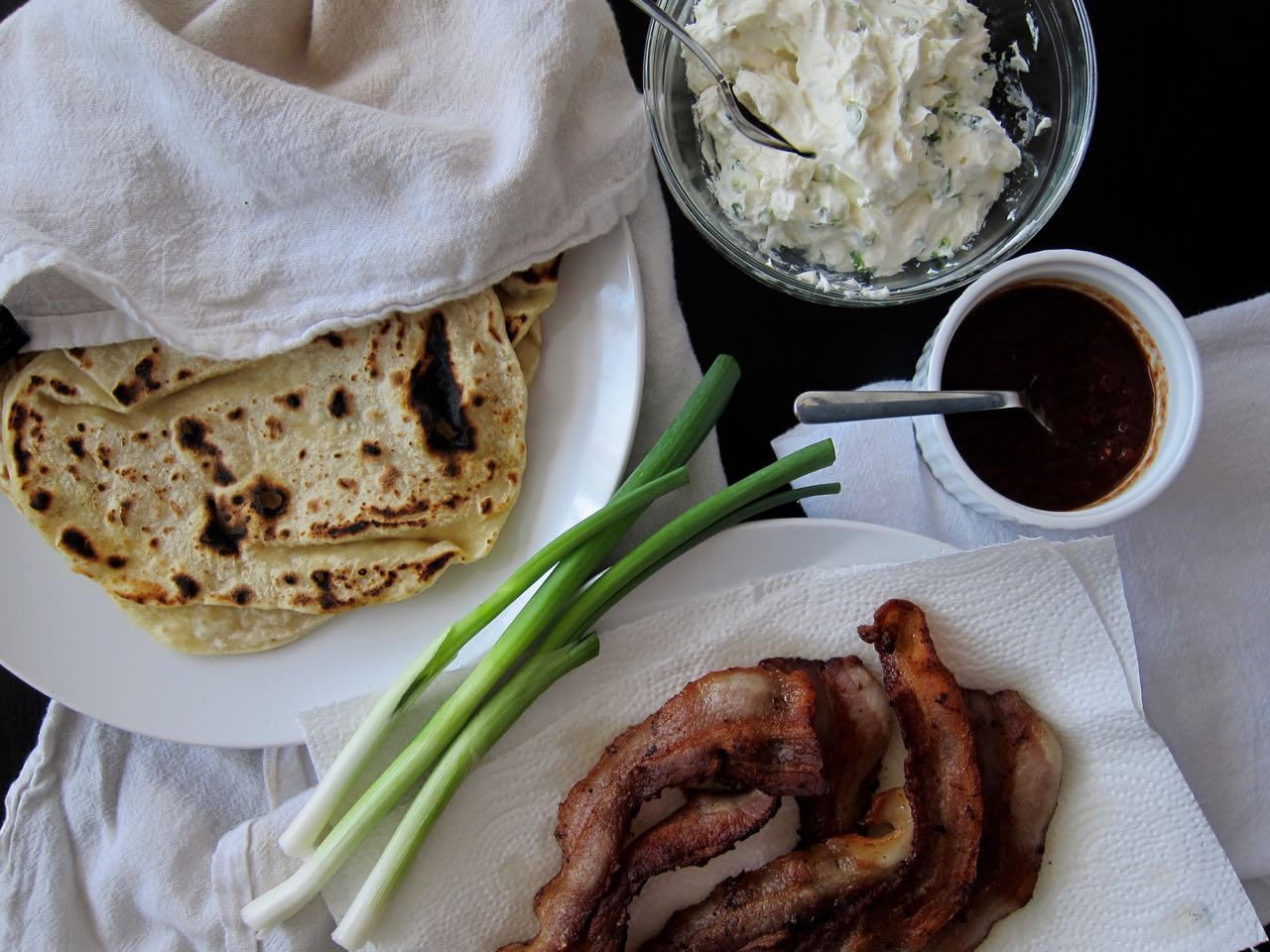 bacon naan roll ingredients
