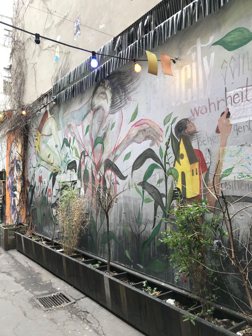 Berlin graffiti.jpg