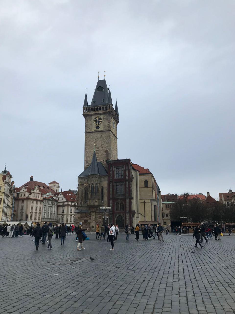 Prague old town square.jpg