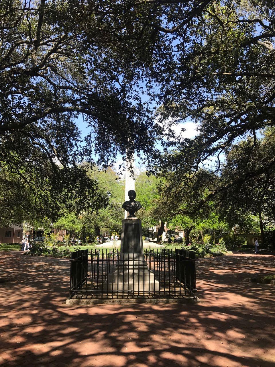 Charleston Statue.jpg