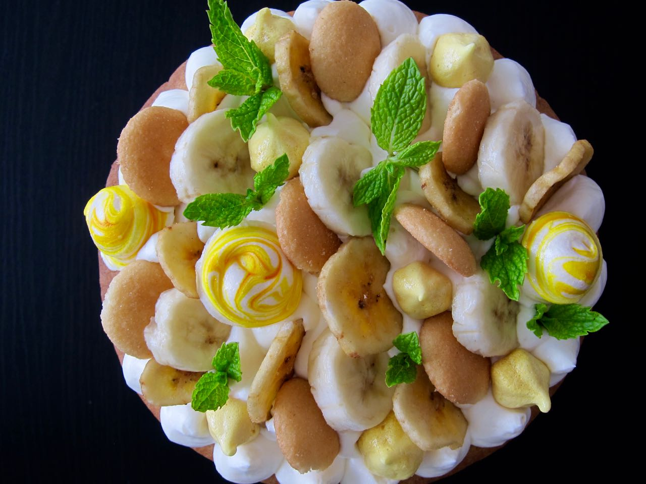 Decorated Banana Pudding Cream Tart
