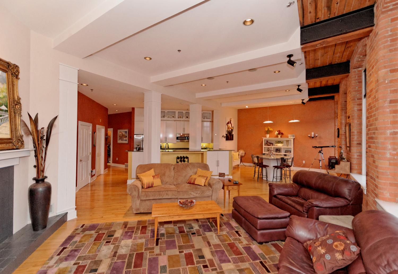 2-Main-Room-(4).jpg