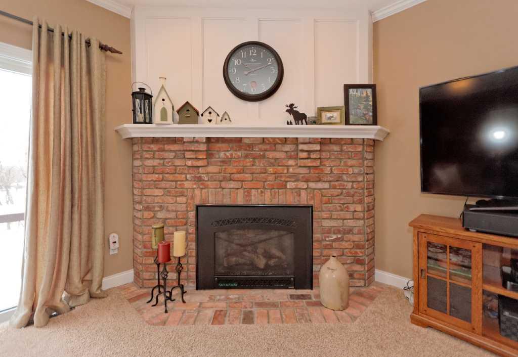 3-Living Room (4).jpg