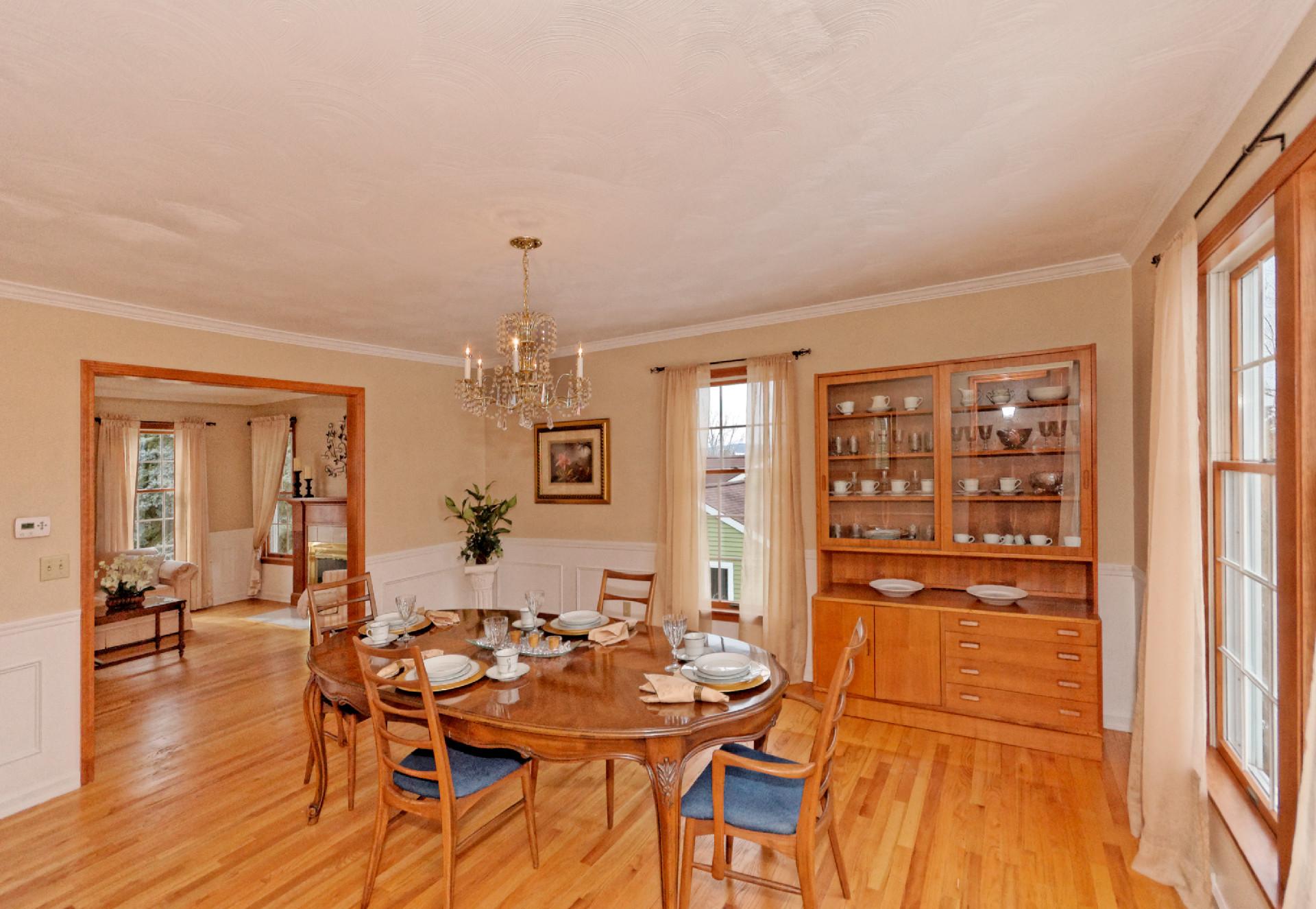 2-Dining Room (2).jpg