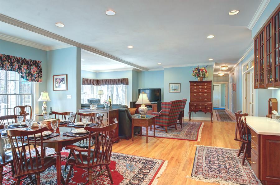 dining1_family room.jpg