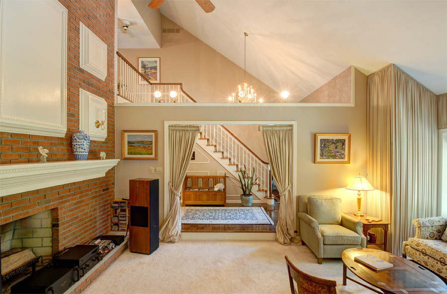 Formal Livingroom2.jpg