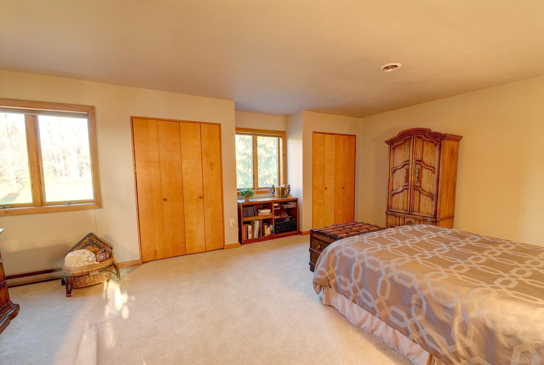 upstairs bedroom 2.jpg