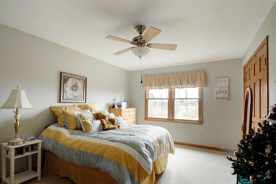 Upstairs Bedroom 3.jpg