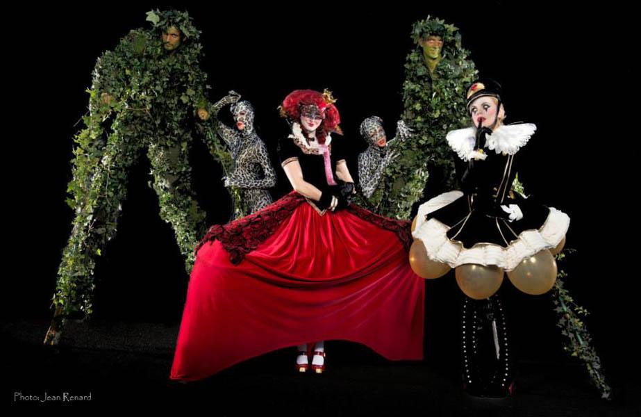 Stilts.Queen.Beyond.Wonerland.Jean.Renard-web.jpg