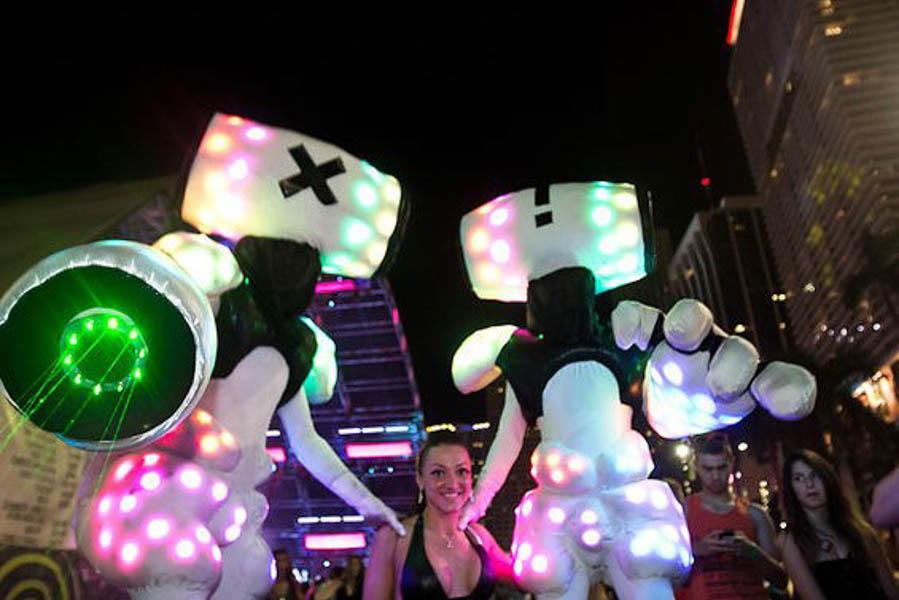 stilts.Ultra.bots.Miami.New.Times.George.Martinez-web.jpg