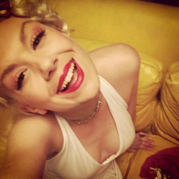 Marilyn.Monroe.impersonator.Lea-web.jpg