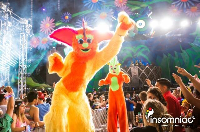 stilts.Furbie.EDC.Vegas.2013.jpg