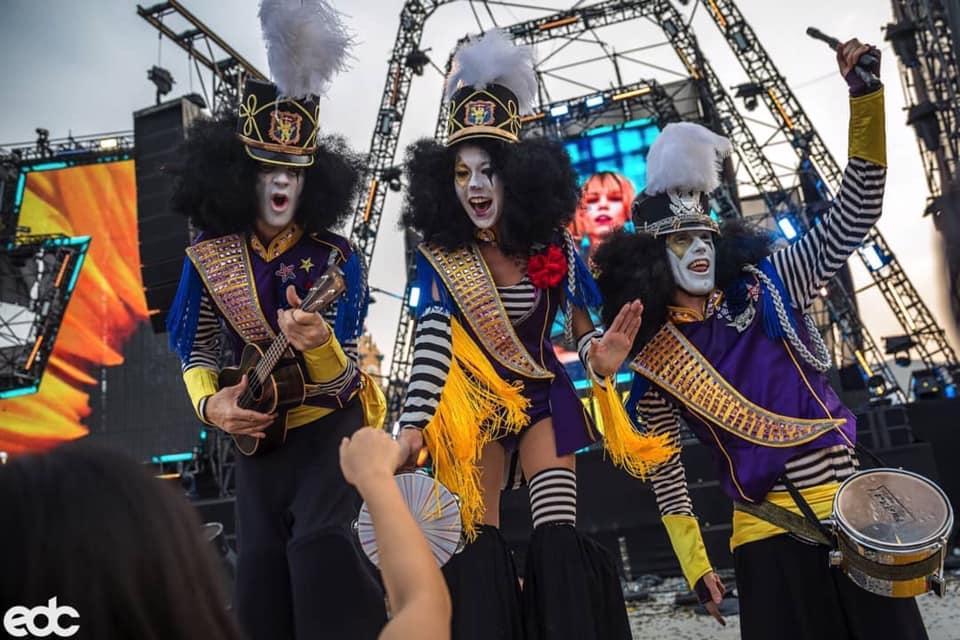 Stilt.Clowns.EDC.Guangdong.China.jpg