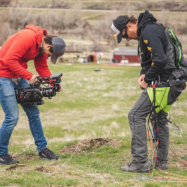 📸: @newtontonewton Working with @jimmy_pouchert out at @hsb.flightpark to capture some content for an app launch. I love working with people like Jimmy! A genuine guy with a passion to help people reach their full potential. We all need more Jimmy in our lives! . . . #filmmaking #blackmagic #videoproduction #extremesports #sigmalens #paragliding #hsbflightpark #idaho #thisisidaho
