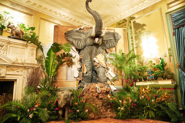 Grandirosa+-+Annabels+-+jungle+-+floral+installation+-+event+styling.jpg