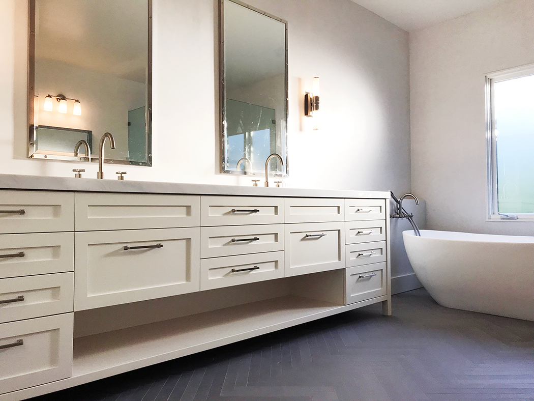 Elegant Traditional Custom Bath Vanity Lake Sherwood