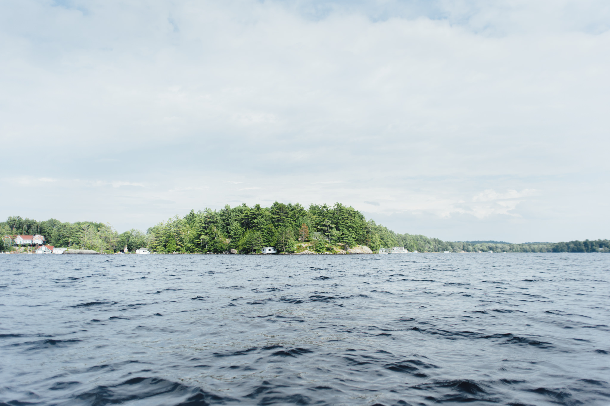 muskoka-lake-cottage-boat