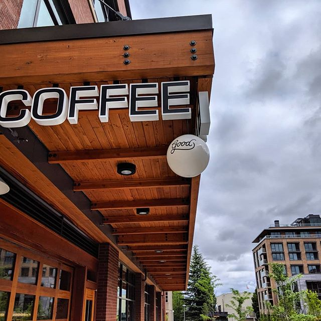 Back in the City of Roses. Great vibe @goodcoffeepdx in slabtown. Single origin Colombia espresso for me - smooth, sweet and a little spice. Cortado for Mrs. Dutchman - blasts of honey and cinammon, super sweet flavors. #dutchmancoffee #pdx #drinkgoodcoffee #spro #visitoregon #portland #coffeetime #coffee