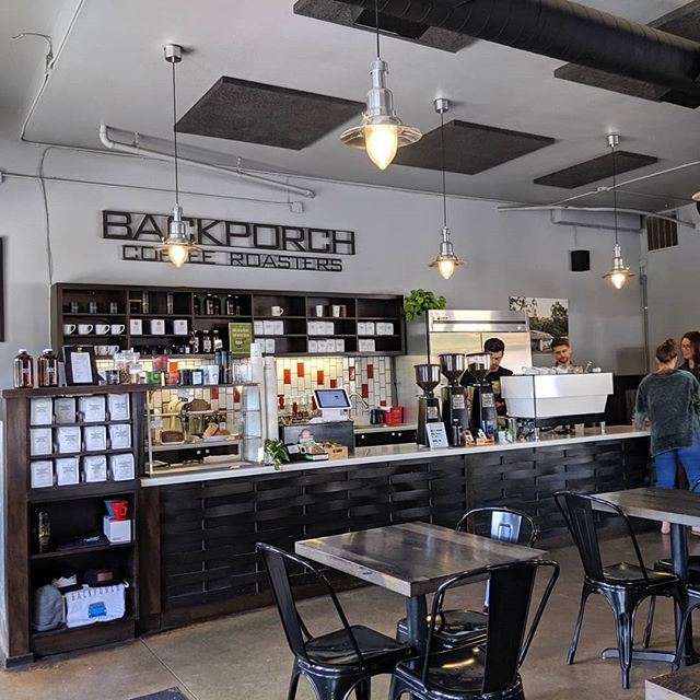 Another stop in Bend, OR. This time @backporchcoffeeroasters for a single origin Rwanda espresso. Very clean shot, light body, sweet and balanced, not very bright. Good work gang! #dutchmancoffee #visitbend #coffeetime #visitoregon #coffee