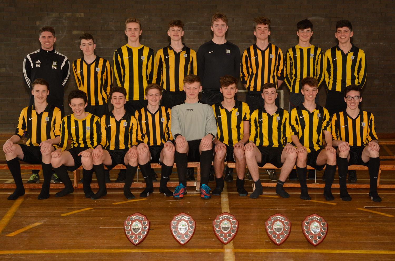Photo: Year 11 Football Team 2014–15