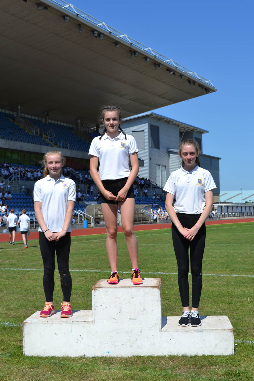Year 8 Girls 400m