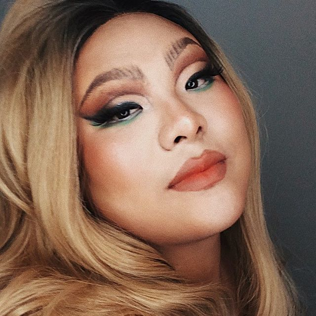 a soft drag moment on my fav queen, miss @diarrheart! ty for letting me pack 50 lbs of product on your face sis!! love u