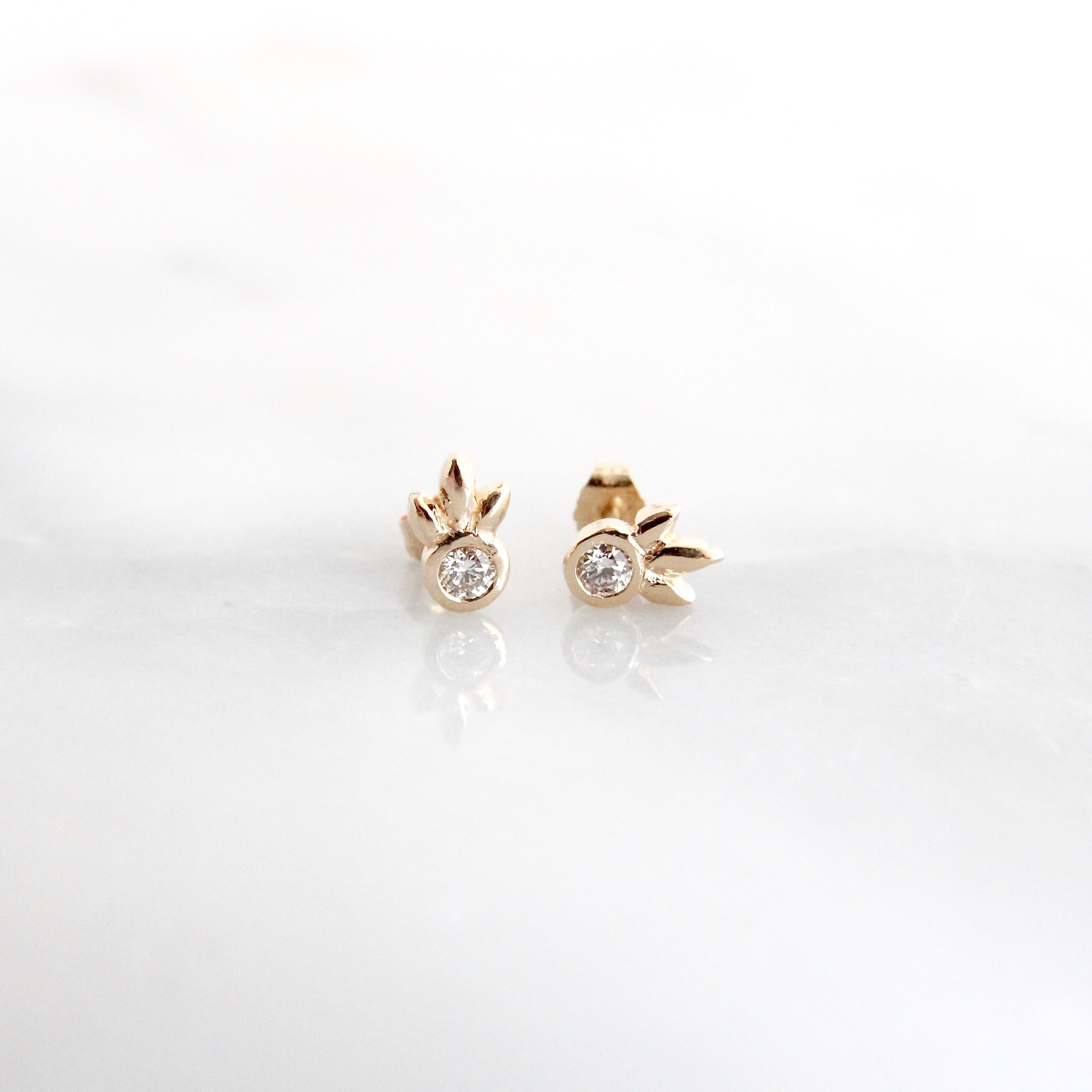 14k yellow gold second piercing diamond studs