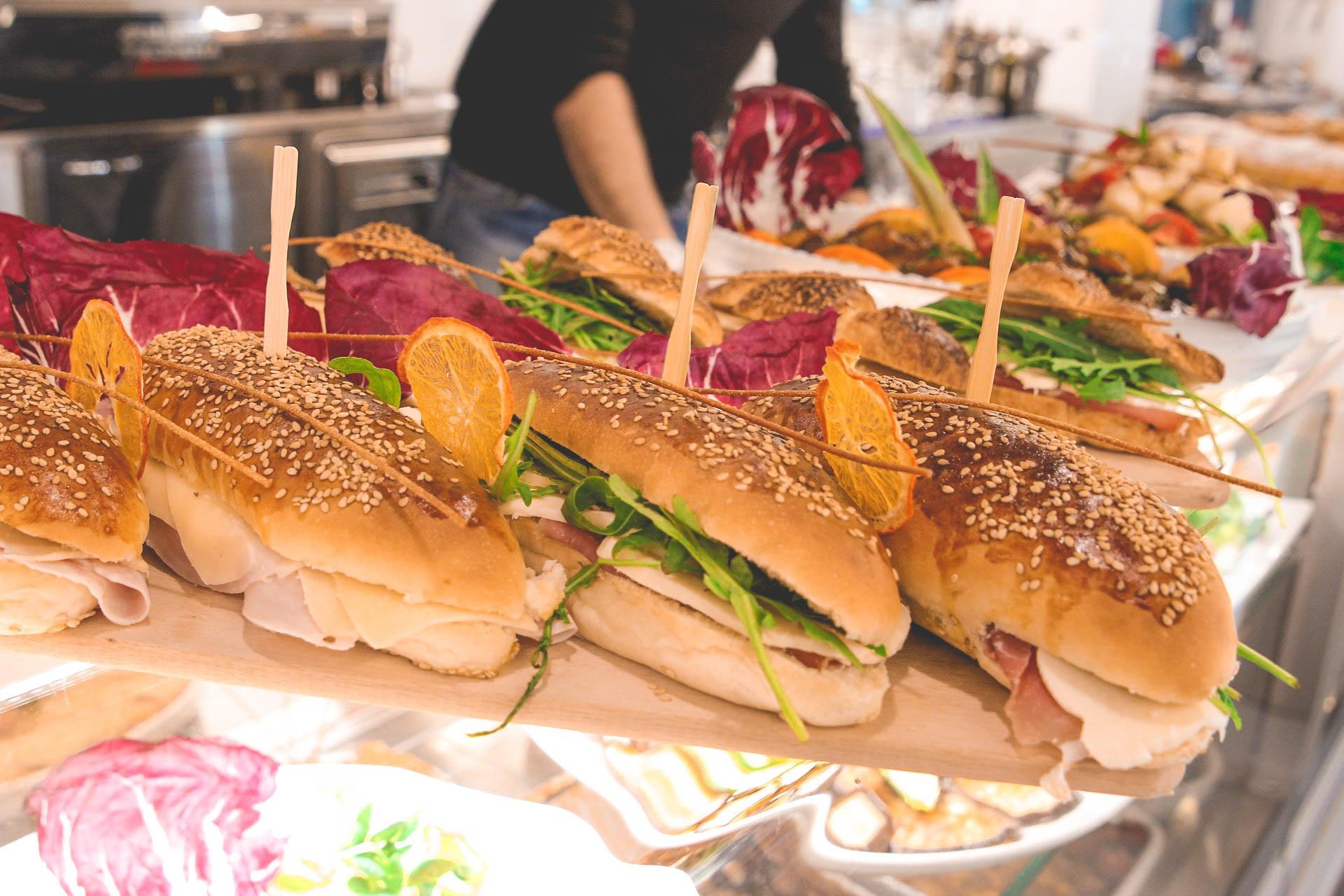 sandwiches-1166485_1920.jpg