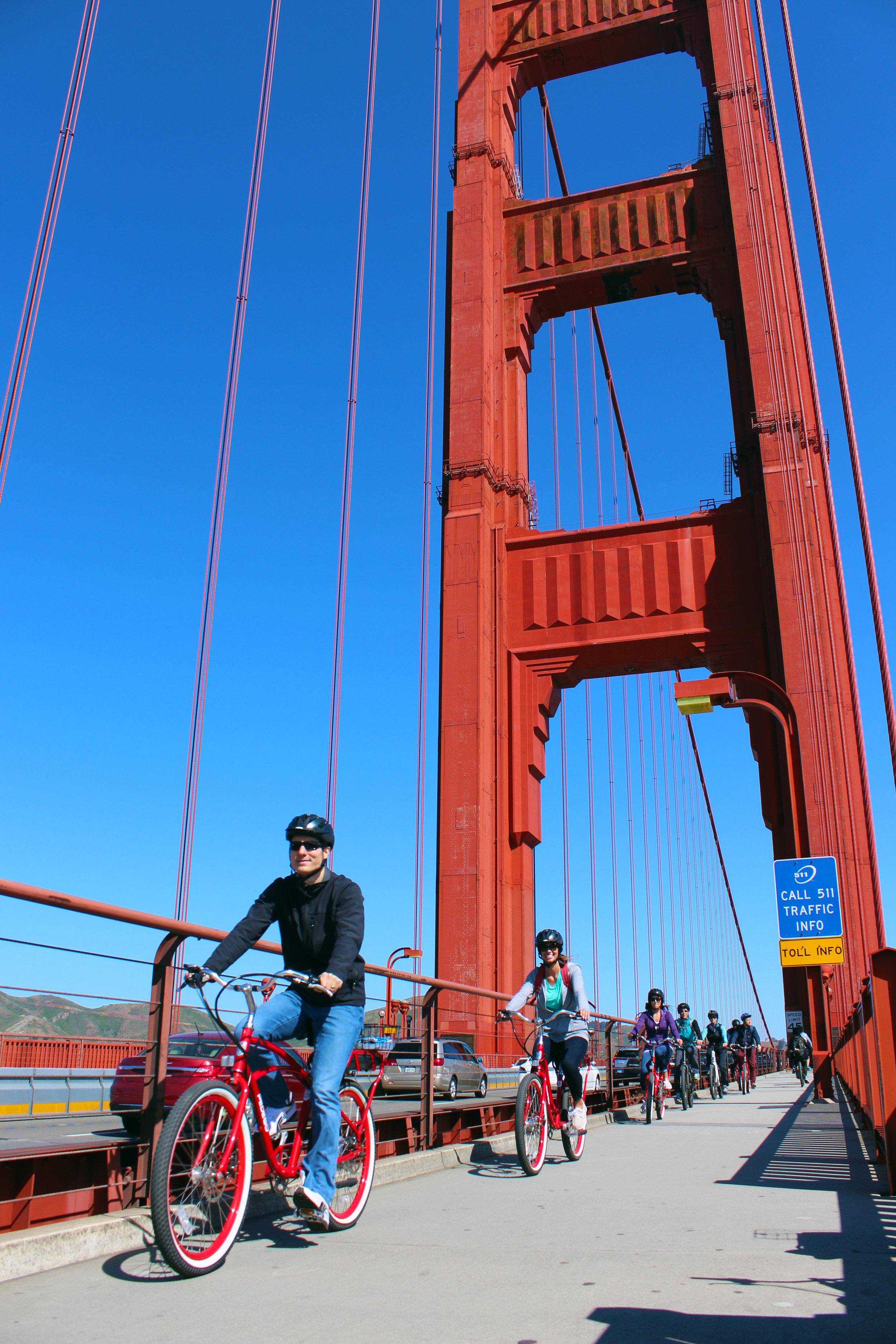 http://muirwoodsshuttlesandtours.com/bikethegoldengatebridgeandmuirwoodsshuttle