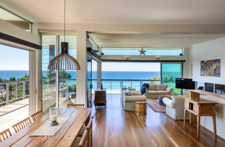 The BACK TO YOU Retreat offers plant based food, great company, space to reflect, ocean breeze and a home right on the beach - #backtoyouretreat