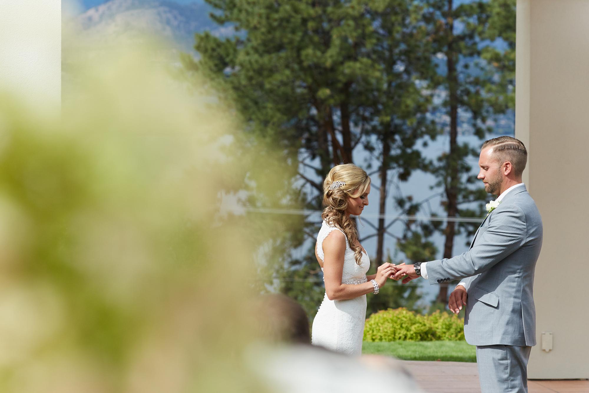 Cedar Creek Winery Wedding16.jpg