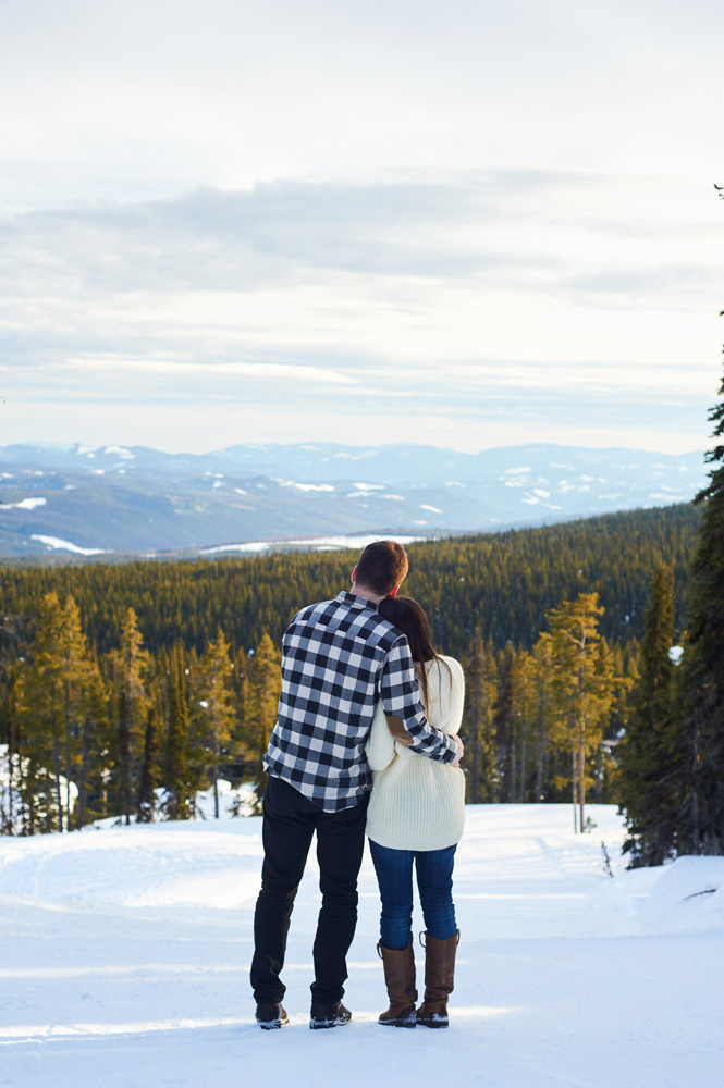 engaged-couple-in-the-snow-at-big-white.jpg