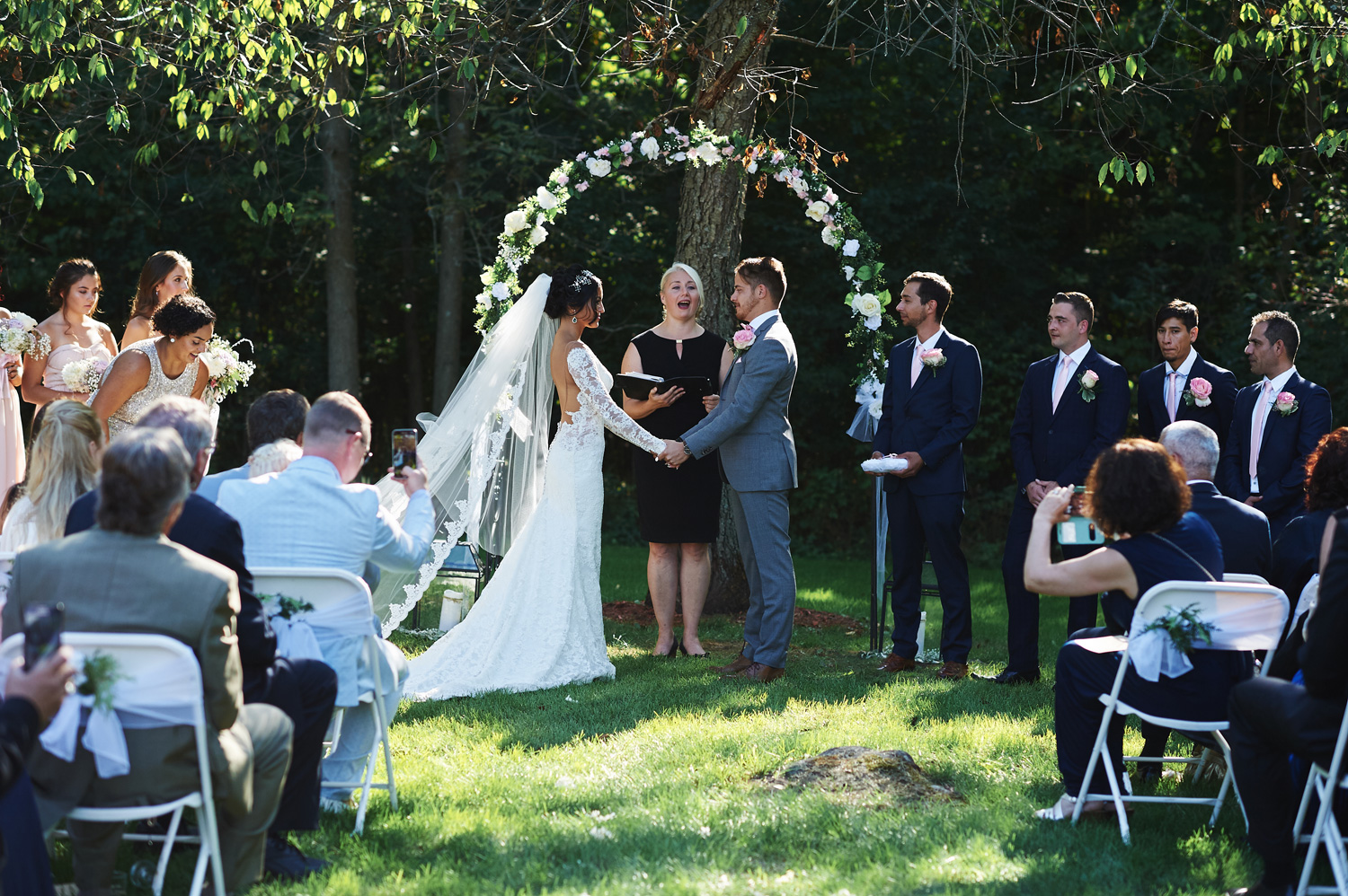 outdoor-ontario-wedding-ceremony.jpg