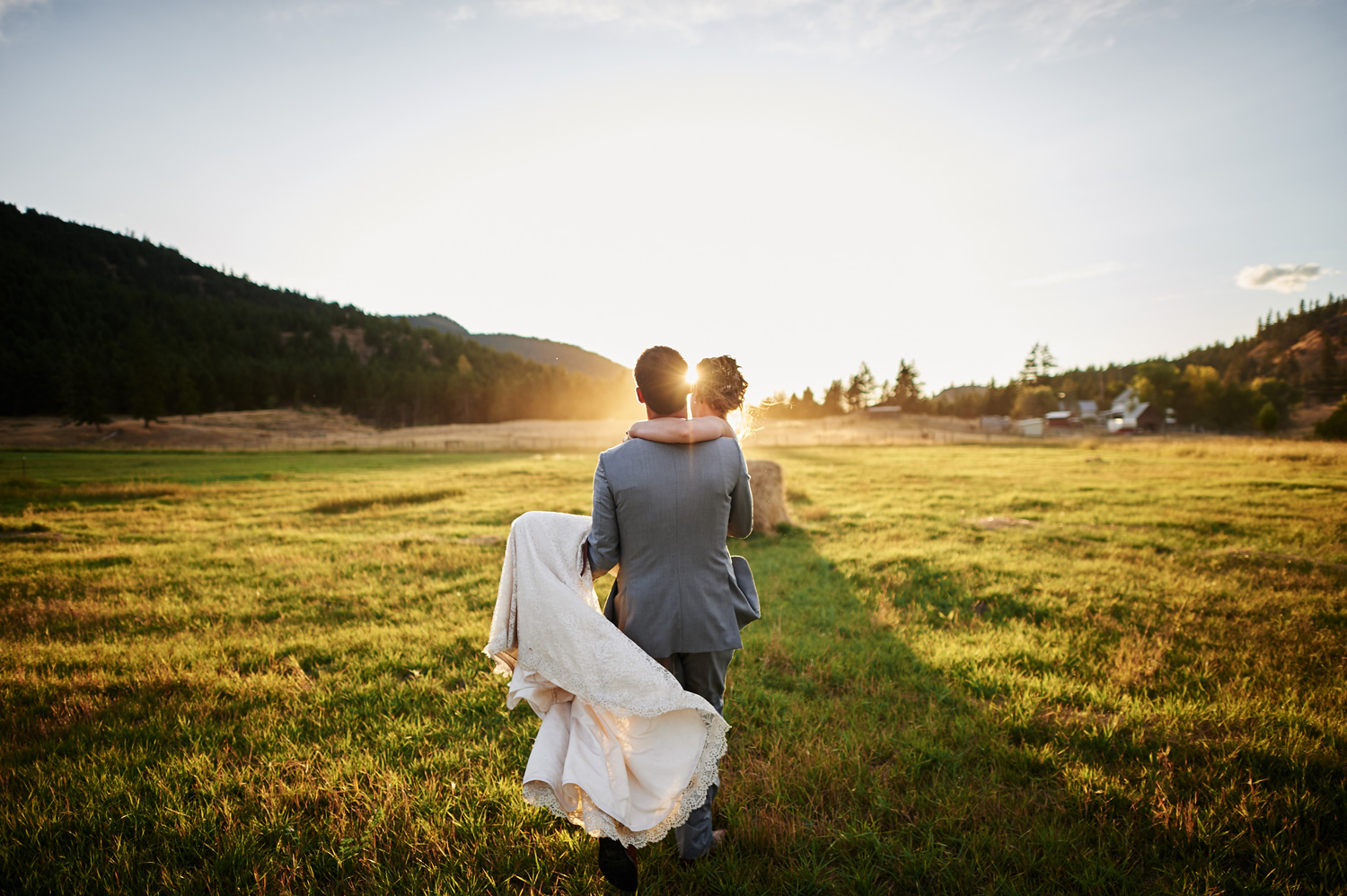 bride-and-groom-walking-in-the-sunset.jpg
