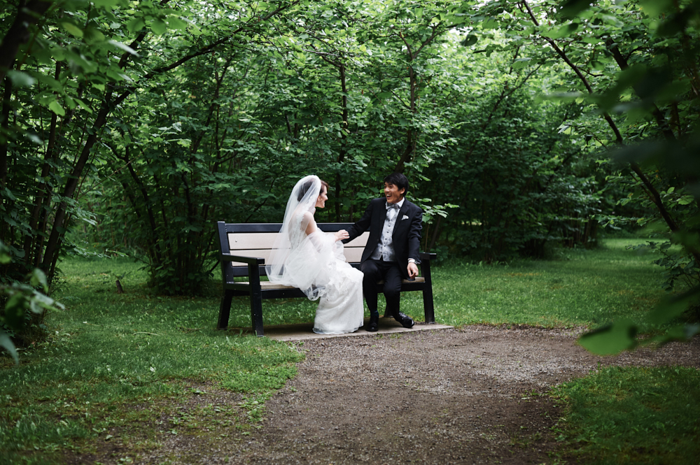 first look of bride and groom in gellatly nut farm