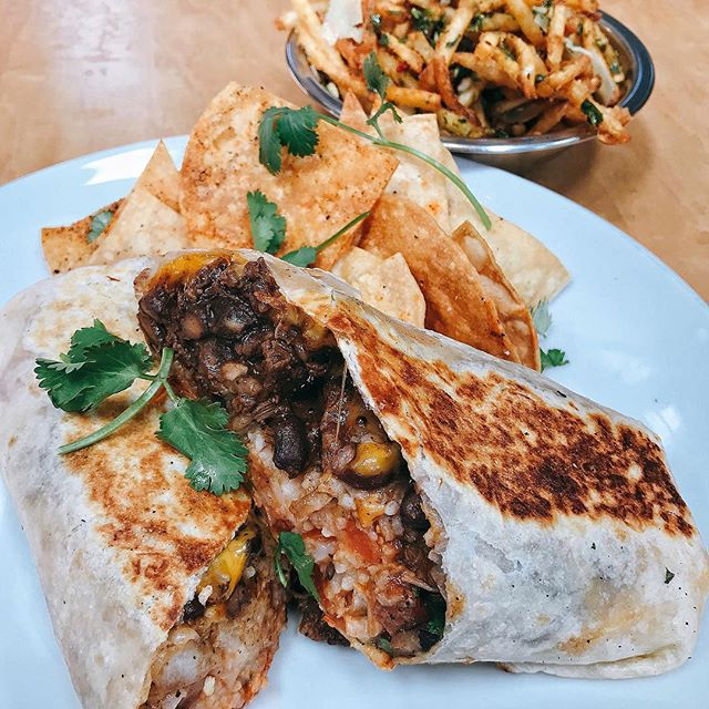 In all burrito seriousness... how could you not, señor filet mignon 🌯burrito?!! If you had a chance to pick one of these up recently, congrats!! #teampappas #pappasartisanal #eaterla