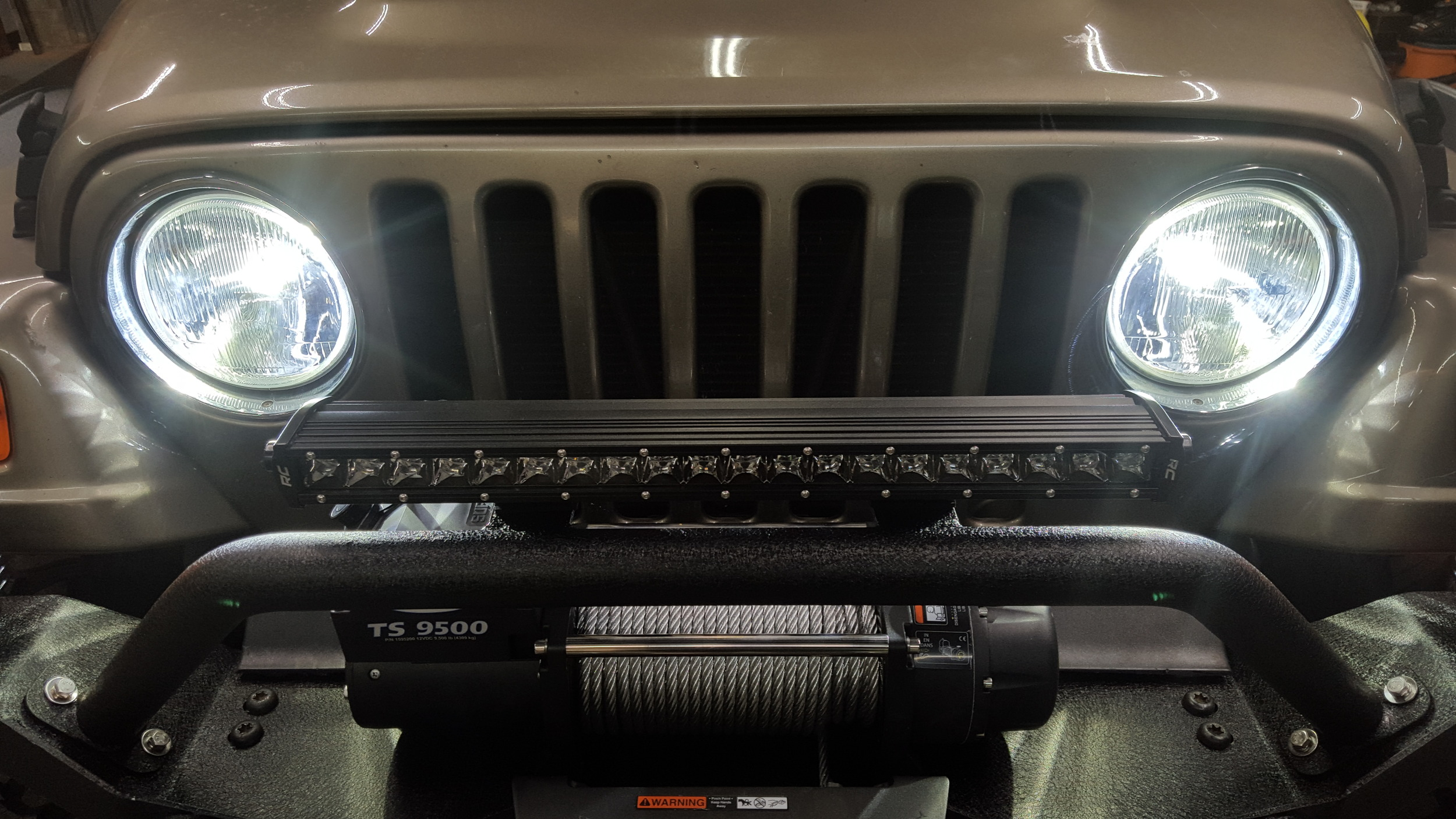 02 jeep wrangler 2.jpg