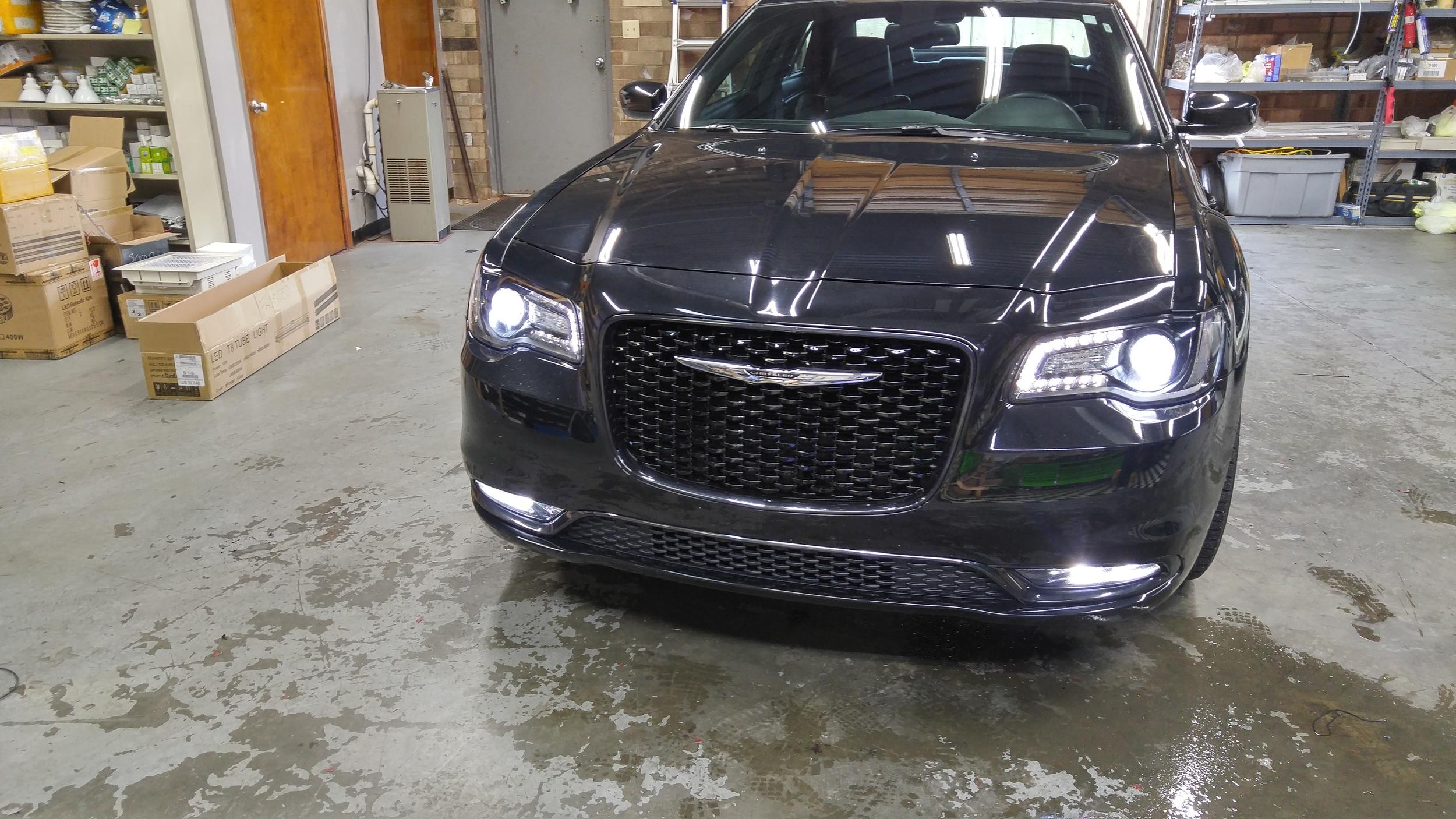 15 Chrysler 300.jpg
