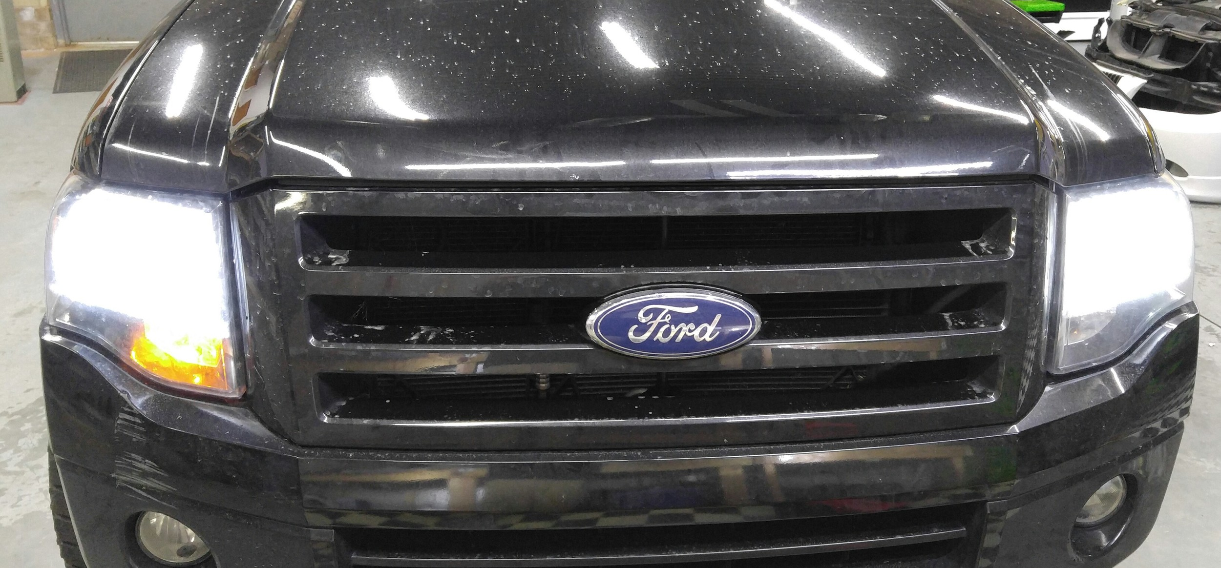 10 Ford Expedition.jpg