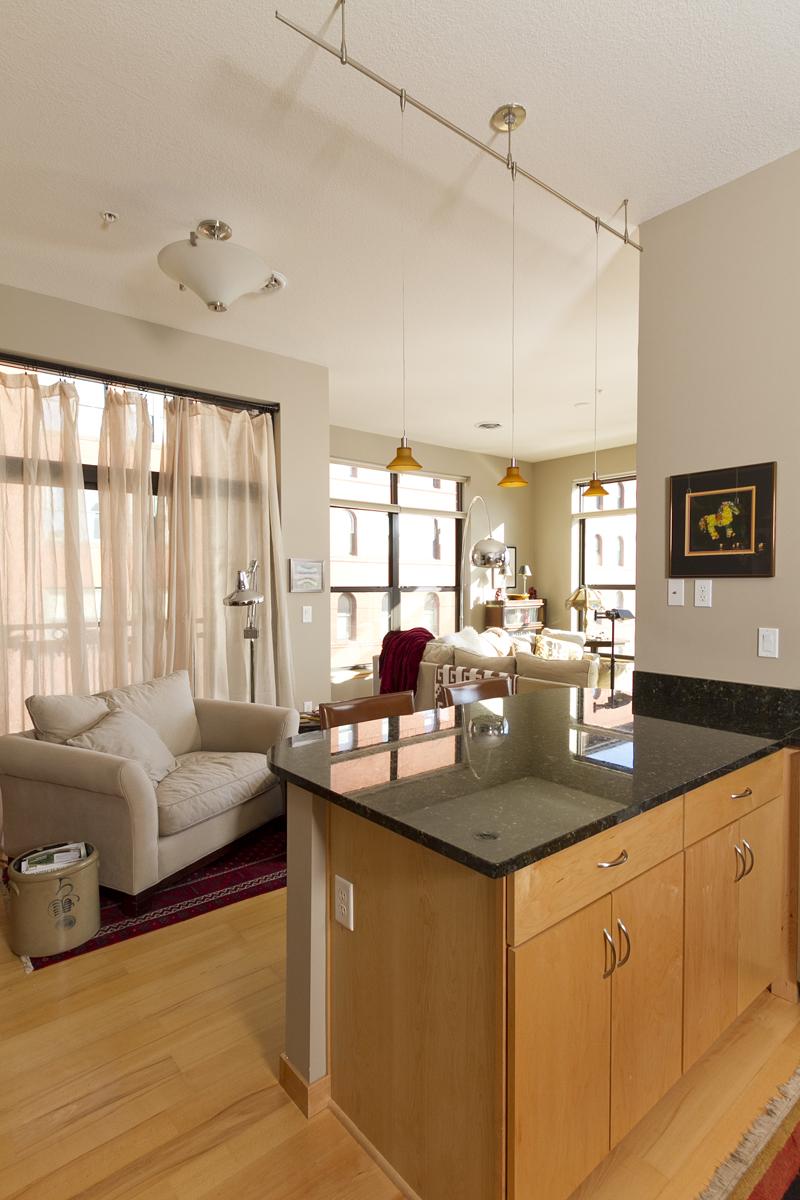 Web_kitchen to living room.jpg