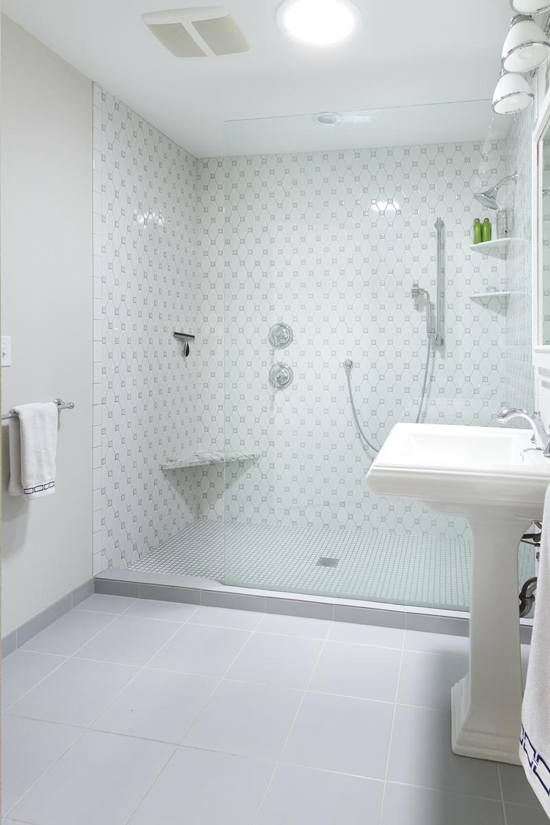 Web_bathroom master.jpg