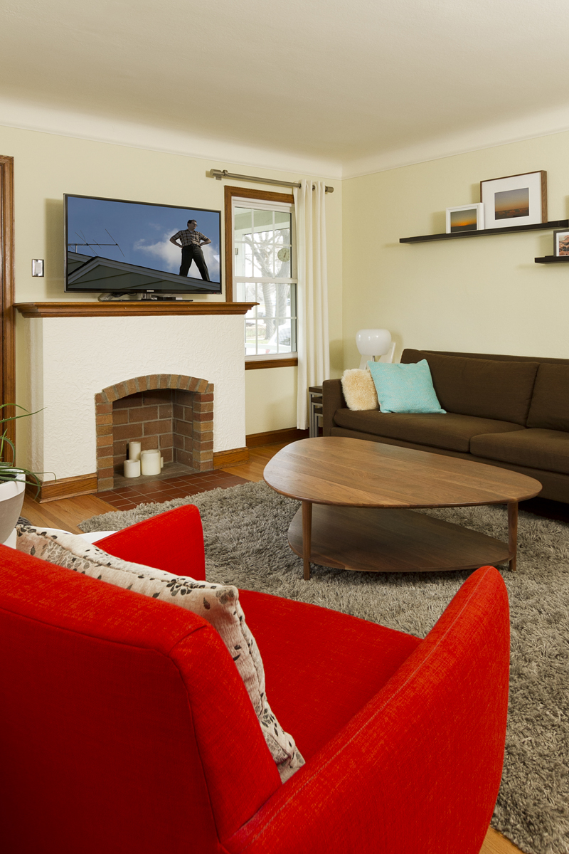 Web_living fireplace vert.jpg