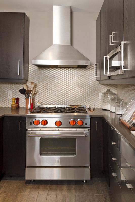 web_kitchen stove tight.jpg