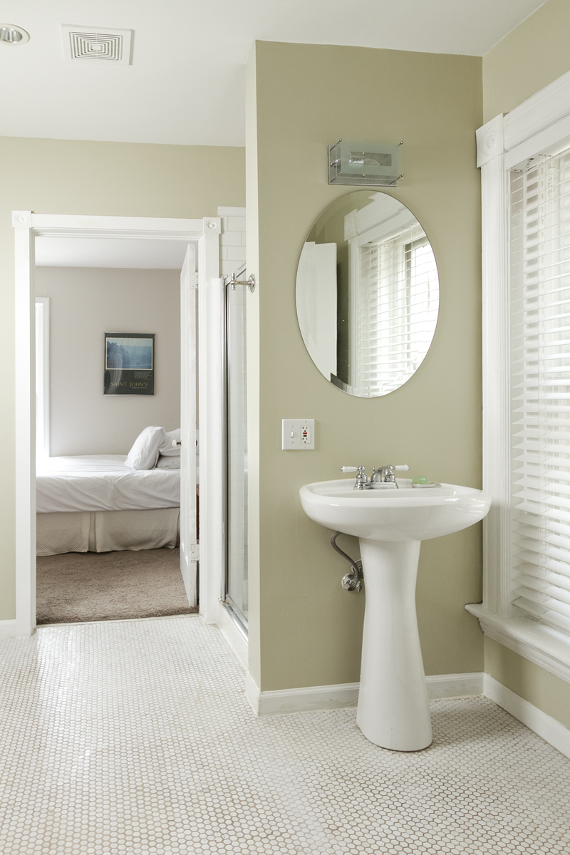 web_bathroom upper tight.jpg