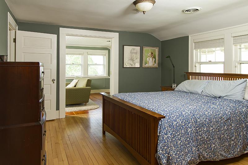 web_bedroom master.jpg