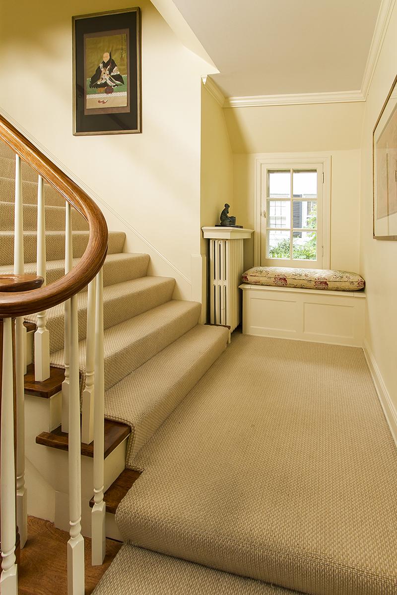 web_stairs seat.jpg