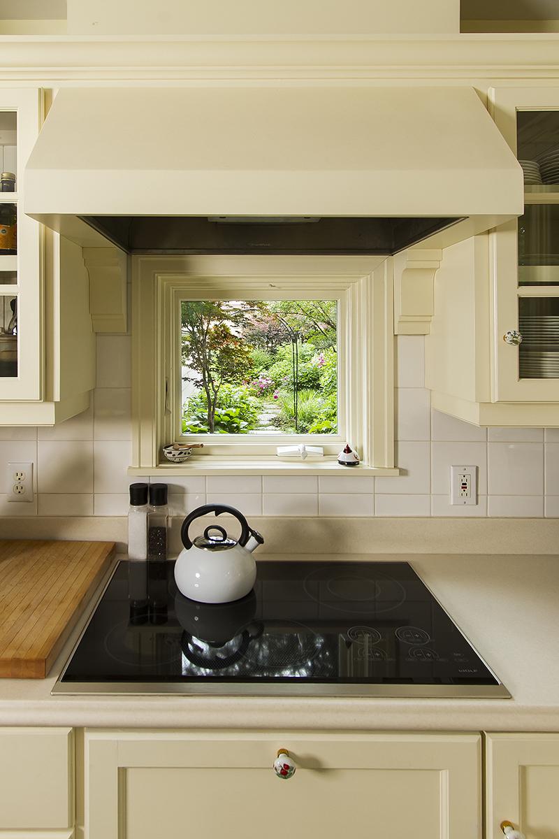 web_kitchen cook top.jpg