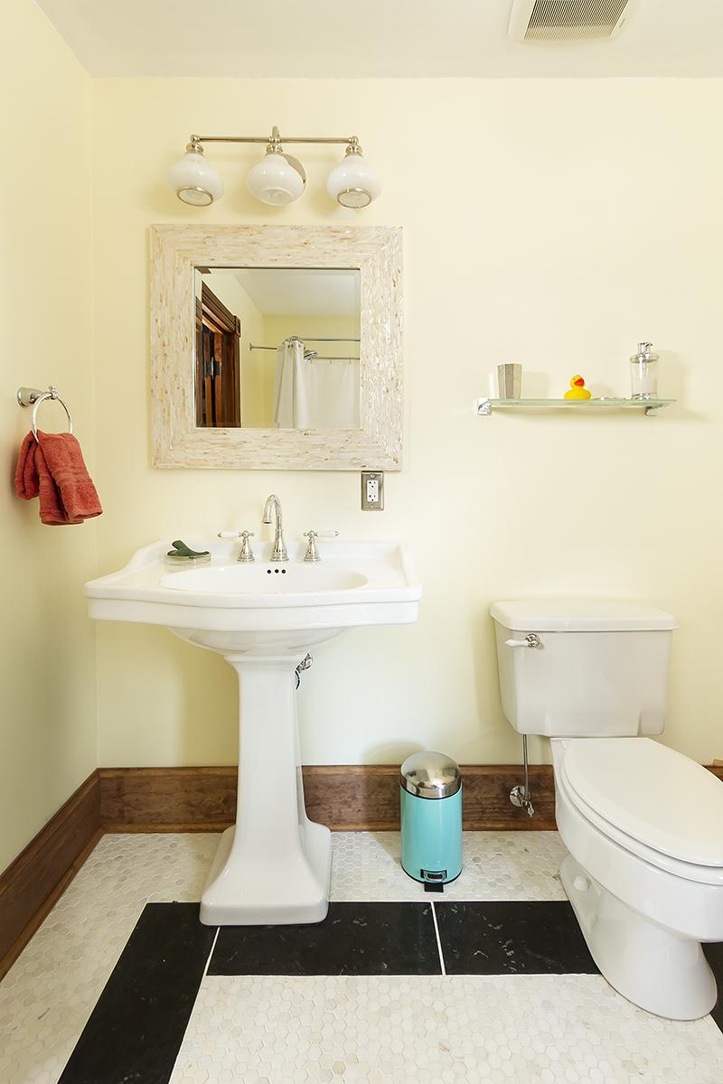 web_bathroom upper vert.jpg