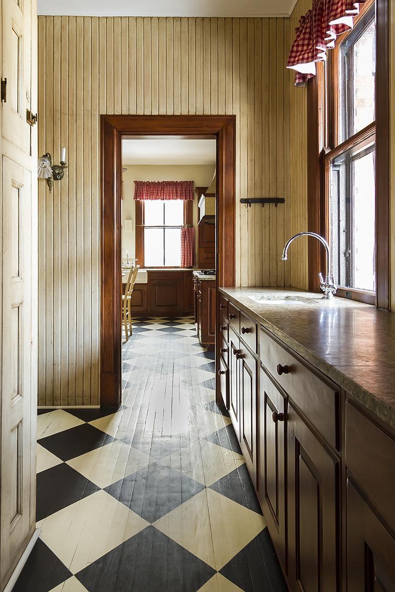 web_pantry to kitchen.jpg